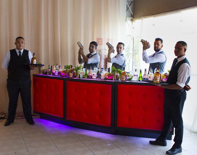 Os maiores segredos da mixologia para drinks excelentes